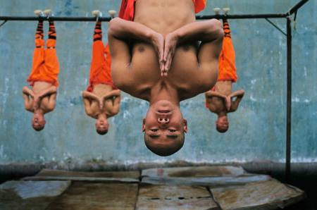 Shaolin-monks-training-Zhengzhou-China-2004-1-c04933
